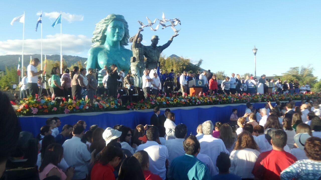 Inauguran monumento a la Reconciliación en el marco de los 25 años ...