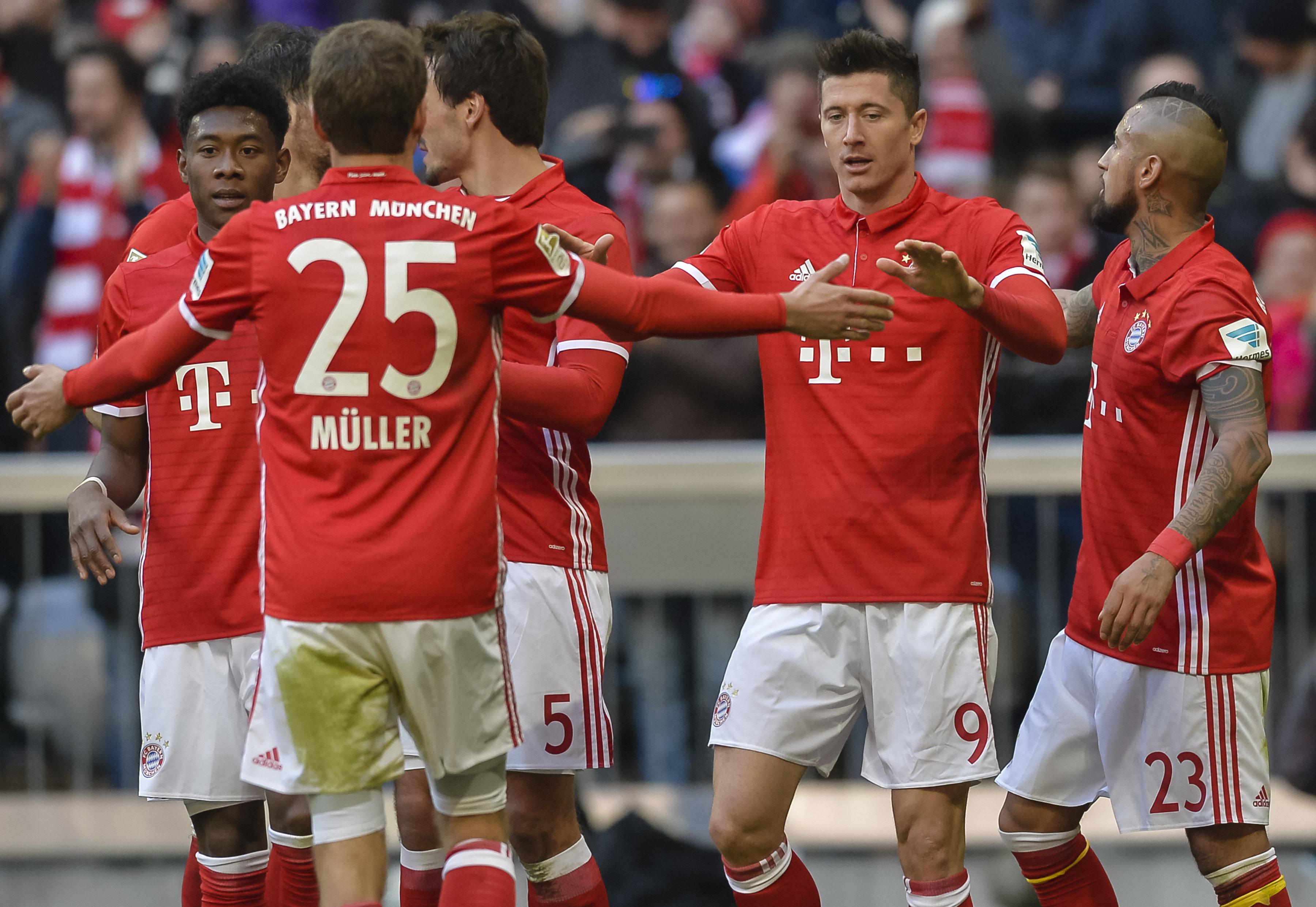 El Bayern se afianza en el liderato goleando al Hamburgo (8-0)