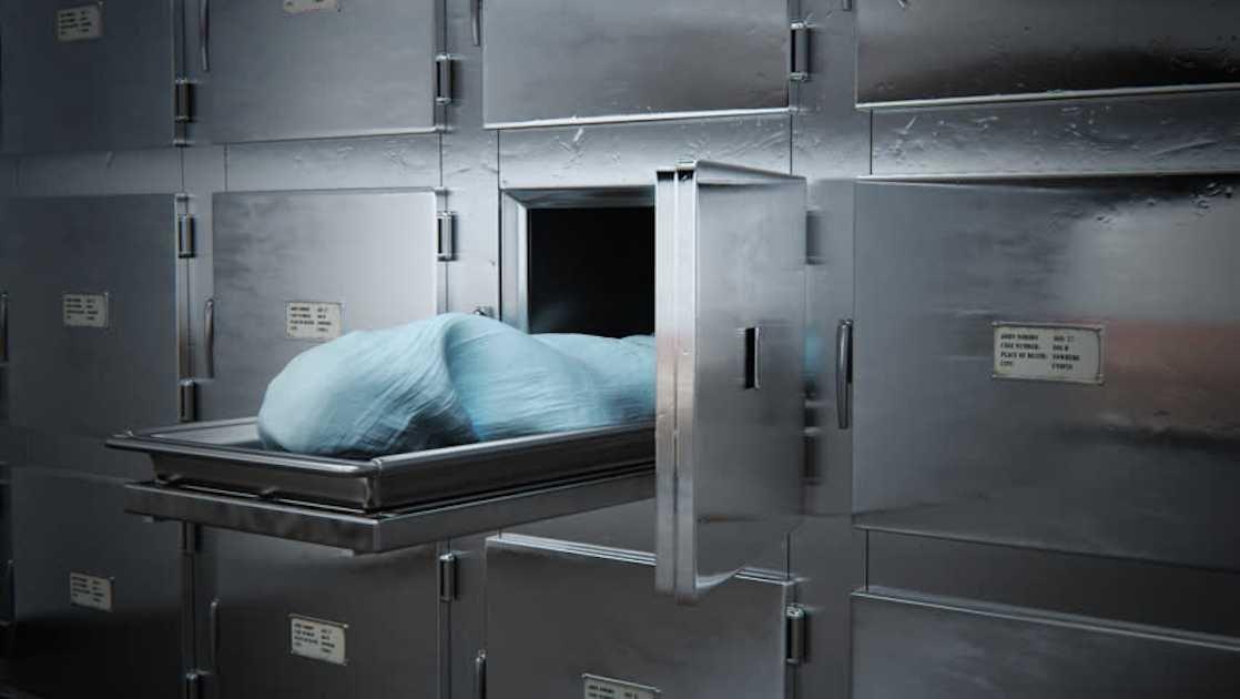 Resultado de imagen para Un 'muerto' despierta en la morgue y regresa a la fiesta donde había bebido hasta 'morir'