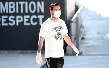 Messi con mascarilla