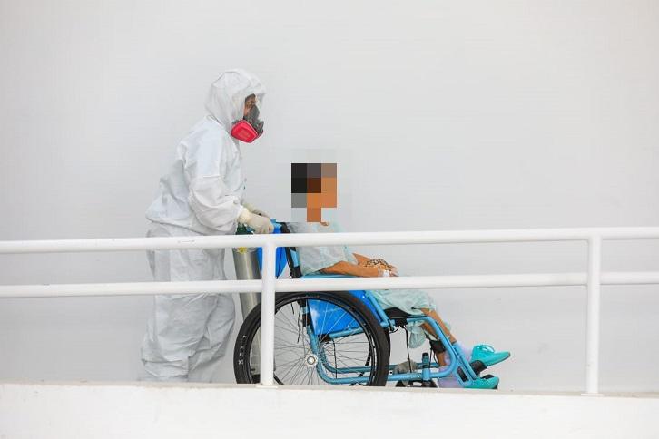 Infectólogo estima que muertes por coronavirus superan las 2,800 en El Salvador