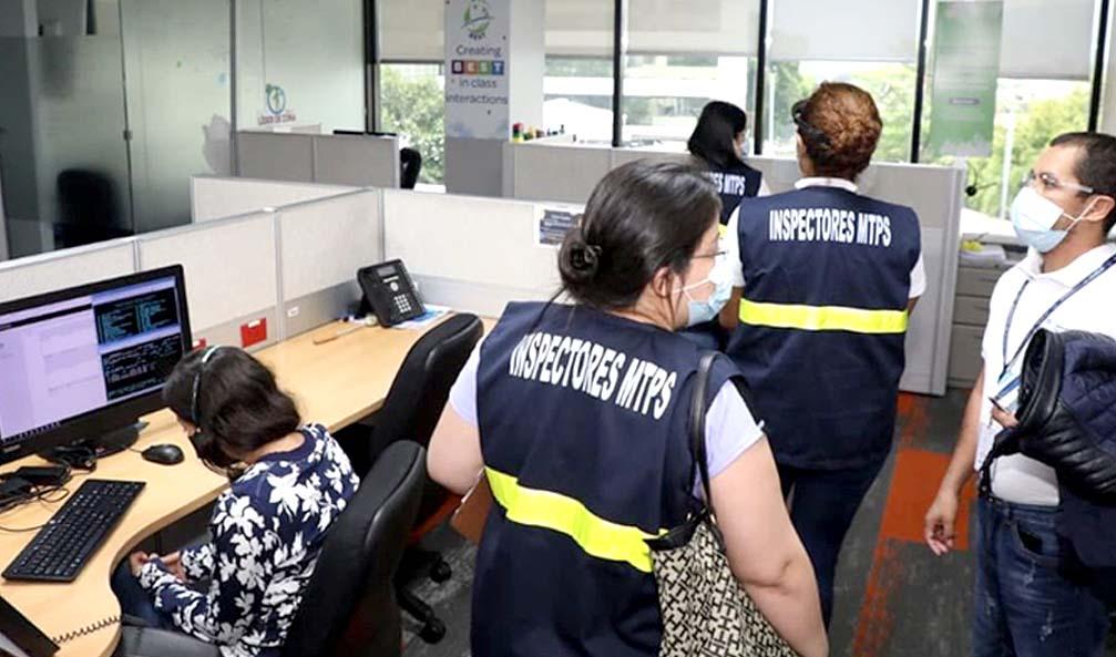 Inspectores verifican cumpliento de descuentos de empresas y alcaldías a AFP Foto tomada de Ministerio de Trabajo