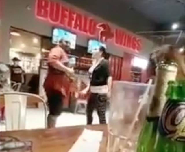 pelea en bar 3